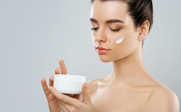 Photo of Is retinol serum good for the skin?